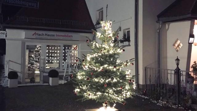 weihnachtsbaum-aussen-3 Es weihnachtet sehr