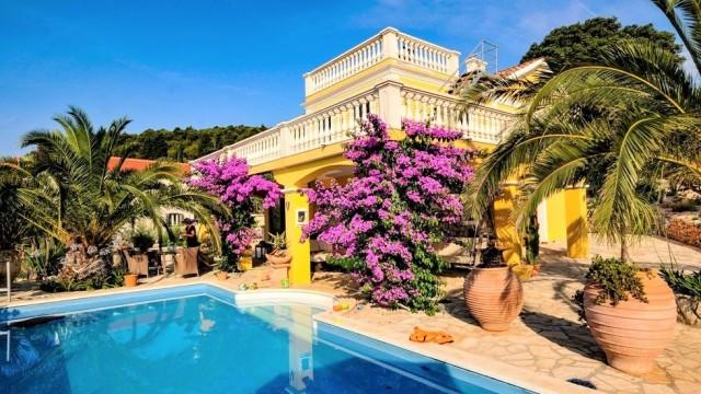 pool-1 Immobilien-Sprechstunde im Reisebüro