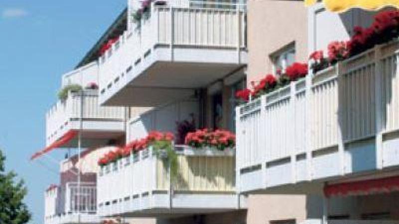 helle Räume und einen attraktiven Blick auf Grünanlagen.