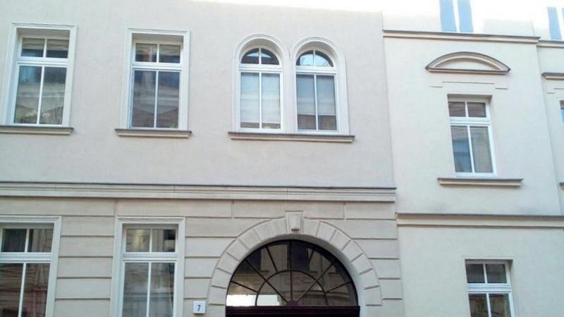 Angeboten wird eine Eigentumswohnung mit 1 Zimmer auf ca. 45 m² Wohnfläche.