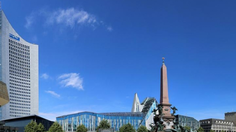 Der Augustusplatz ist mit 40.000 m² einer der größten Stadtplätze in Deutschland,