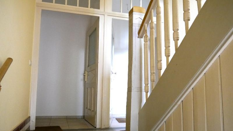 Das Wohnhaus beherbergt 6 Wohnungen