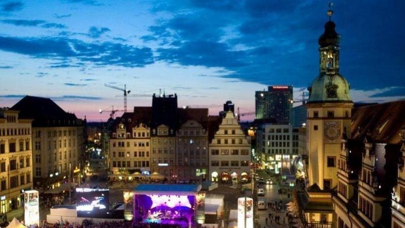 Nur etwa 35 Minuten entfernt liegt die Leipziger City...