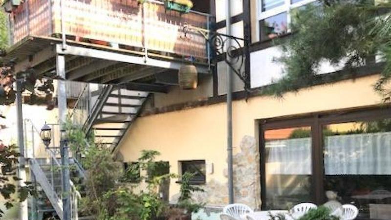 Mieterfreundliches Wohnhaus mit 4 Maisonettes.