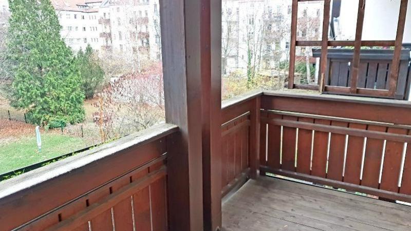 mit 2 Zimmern und hübschem Balkon