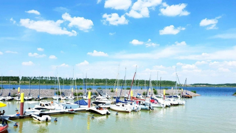 in Zwenkau, einer Stadt in Sachsen, mitten am Meer ...